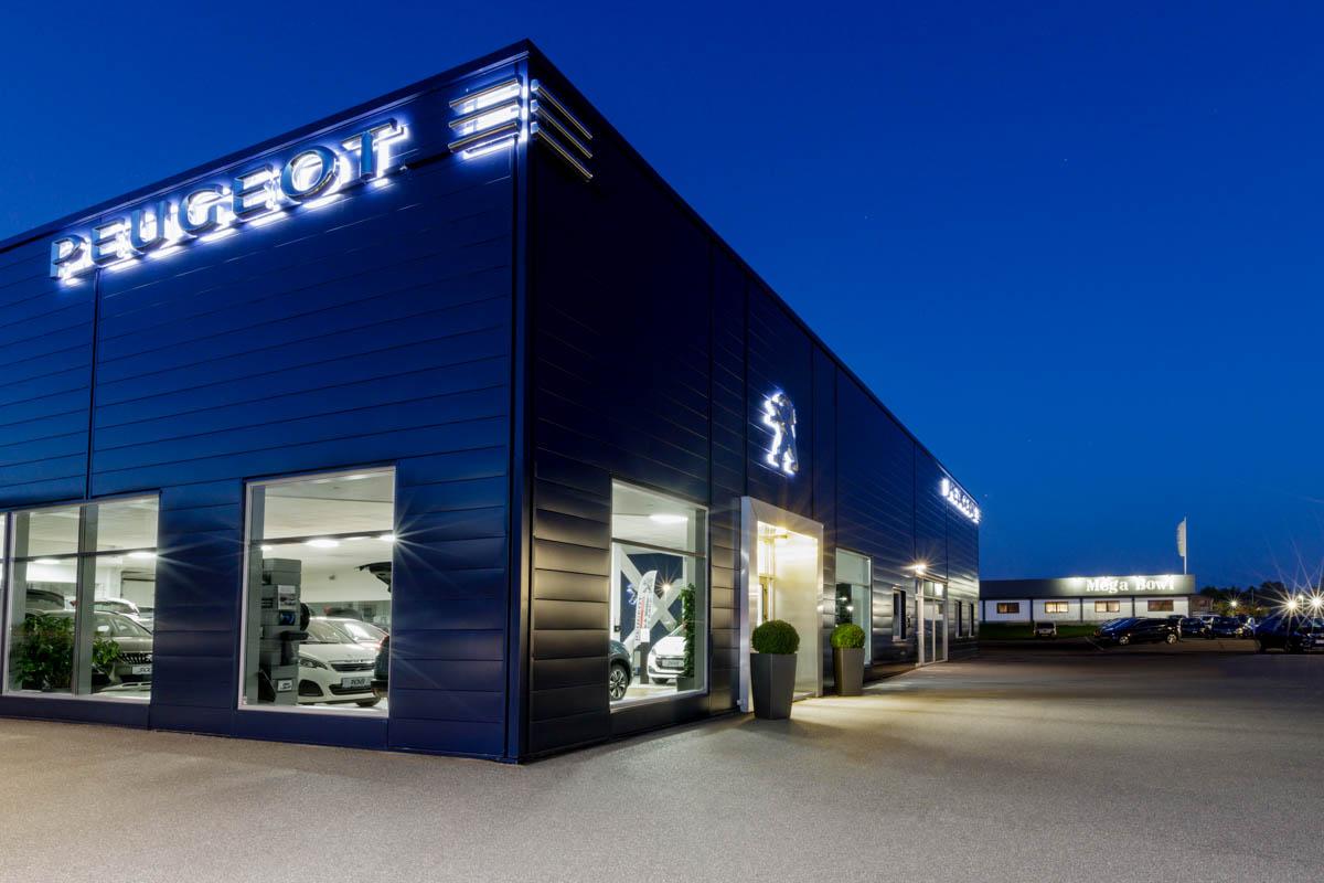 Laila-Versemann-PhotographyLaila-Versemann-Peugeot-facade-3-Edit