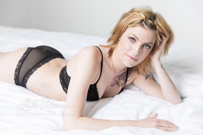 Feminin fotosession boudoir